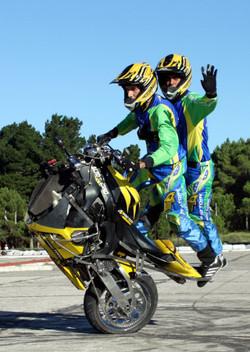 Zerinho No-front com dois pilotos