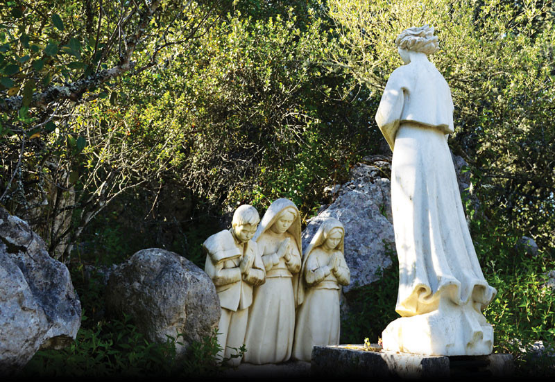 The Angel of Portugal appears to the three Fatima children, Lucia, Francisco, Jacinta.