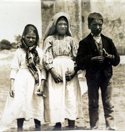 Jacinta Marto, Lúcia dos Santos and Francisco Marto after the vision of Hell.
