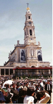 The Basilica of Fatima, on the day of the beatification of Francisco and Jacinta Marto, May 13, 2000.