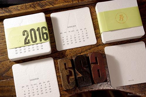 Kalendarz biurkowy 2016