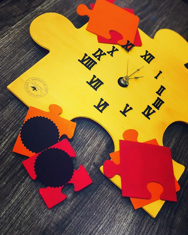 Puzzle piece wall clock - Yellow