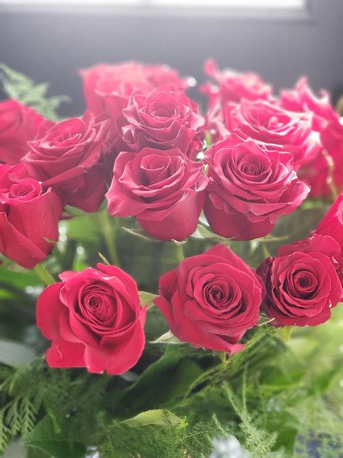 18 perfect  Premium red roses
