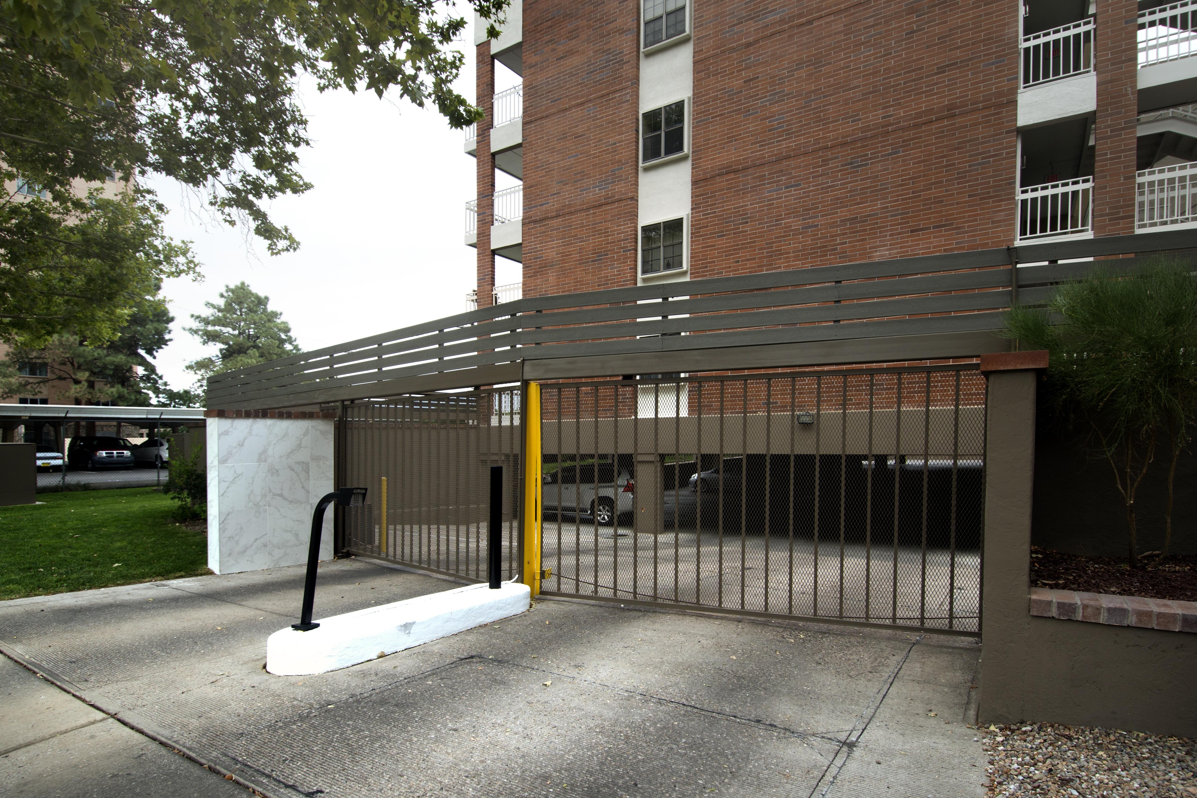 Garage Entry.jpg