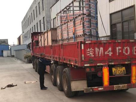 Wielkoformatowe panele PMMA opuszczają Chiny