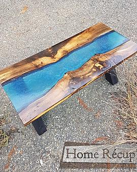 table basse bois et résine