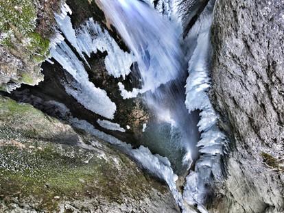 drone-landscape-waterfall-hannes-kirchho