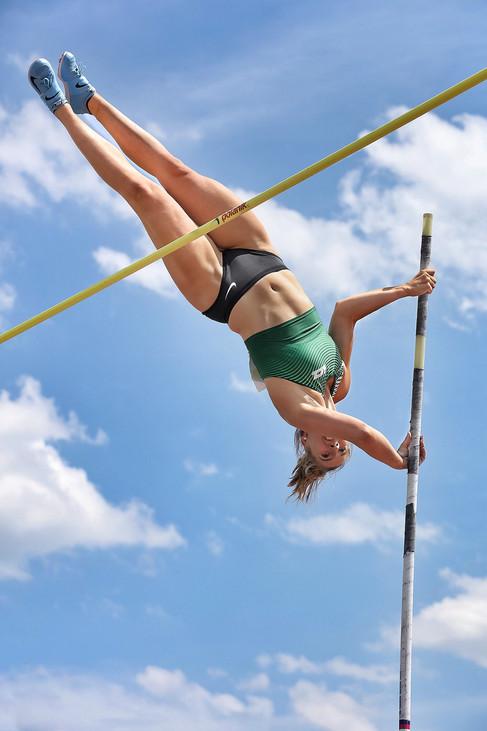 angelica-moser-athlete-track-hannes-kirc