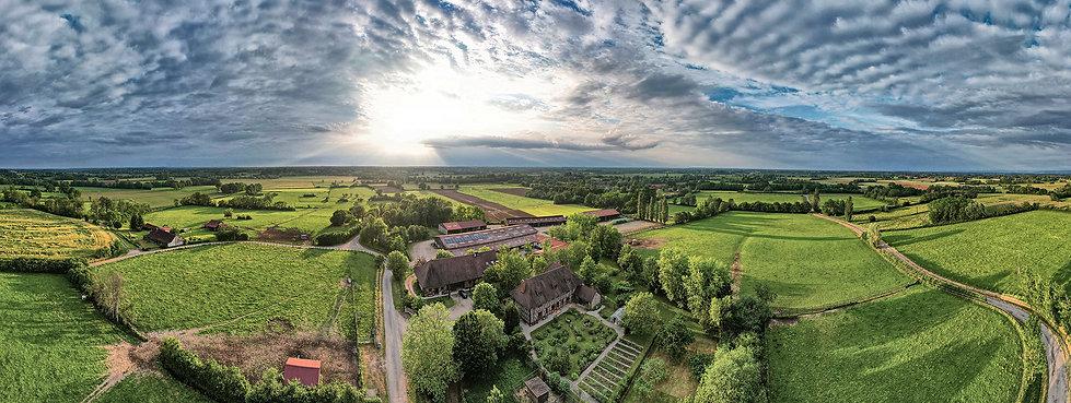 burgund-biofarm-panorama-drohne-hannes-kirchhof-fotograf.jpg