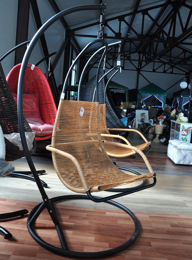 Кресло подвесное (*); металл, пластик.