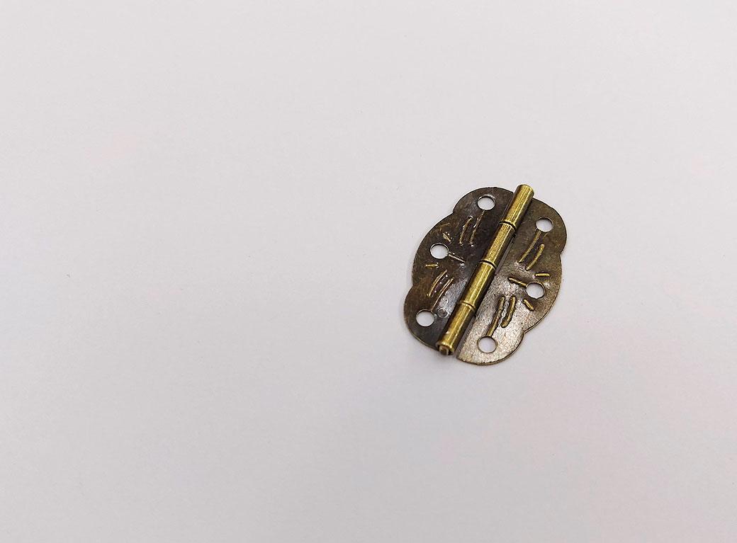 Петля для шкатулки, металл, фигурная, бронза 1,9*2,8 см