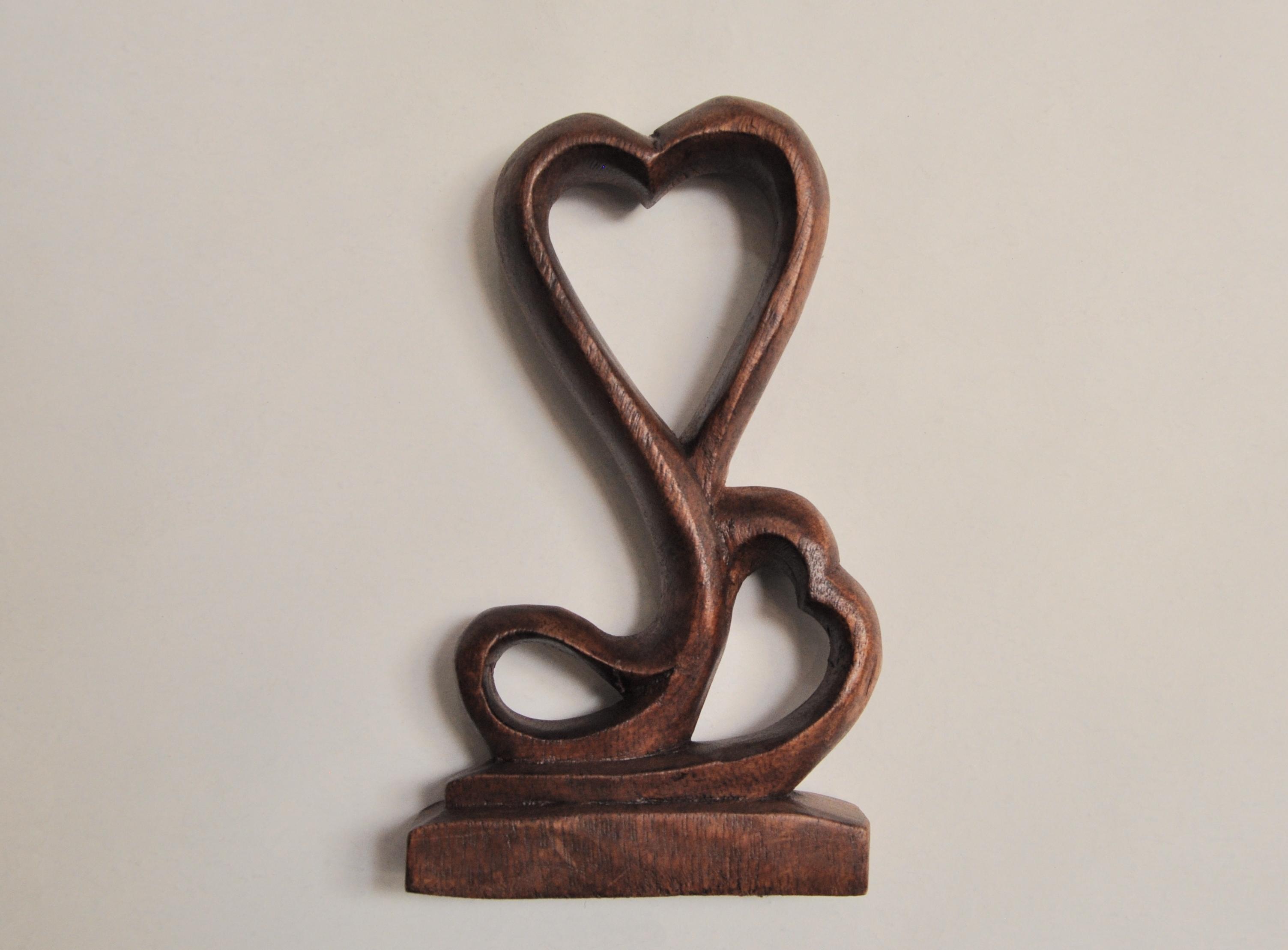 статуэтка деревянная сердце