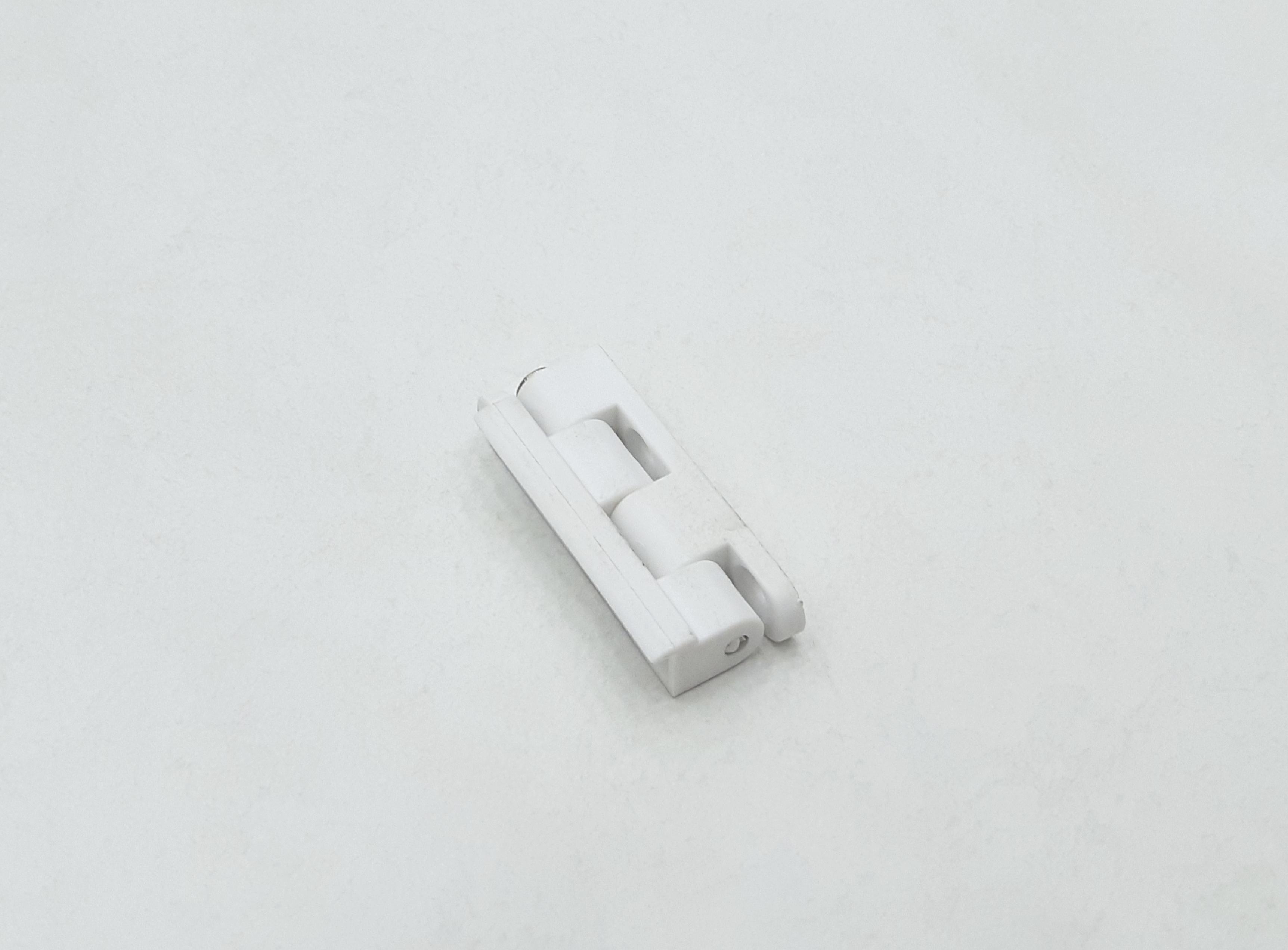 Петля белая