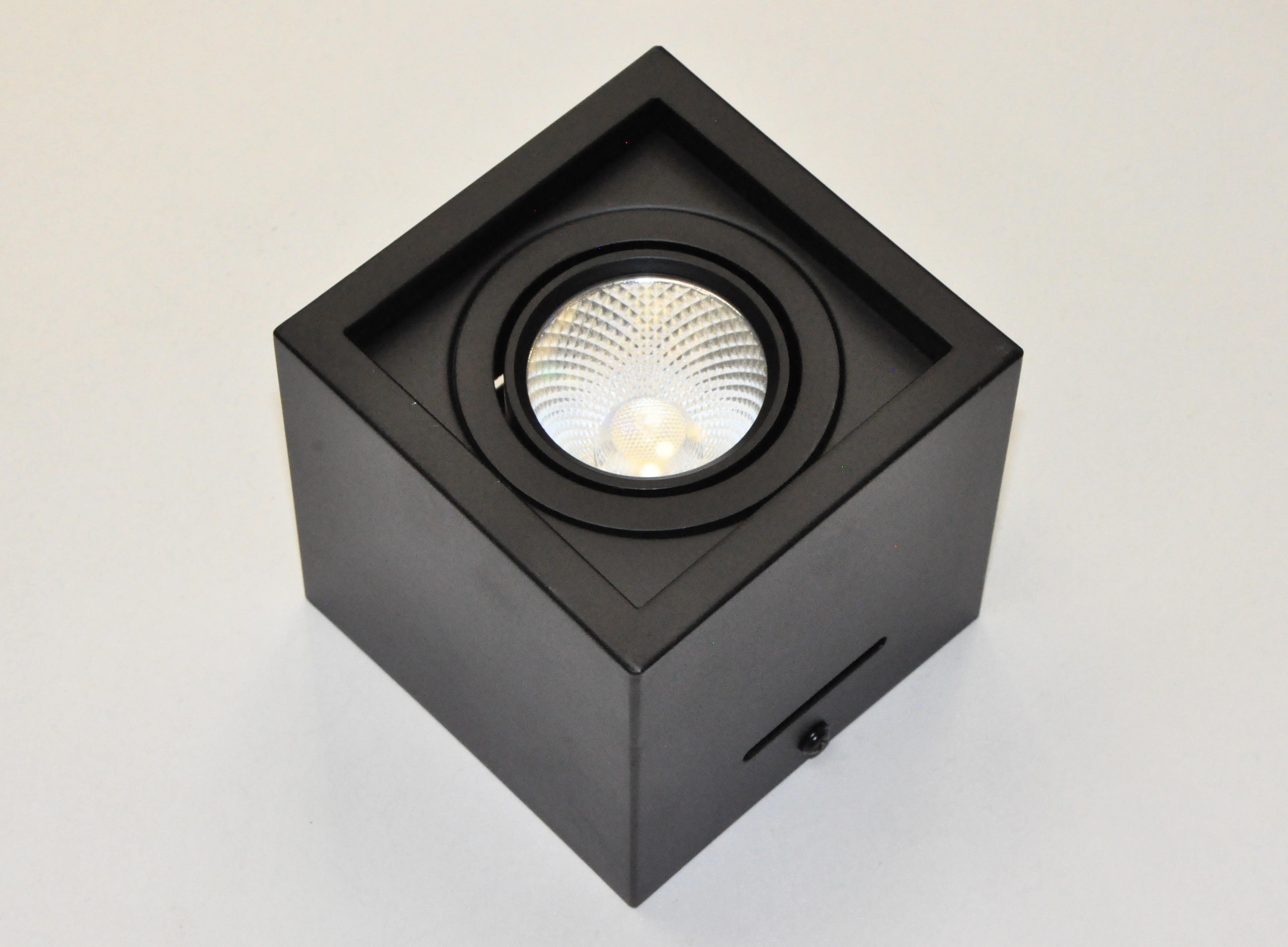 Светильник накладной, черный