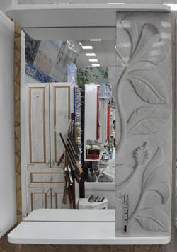 Шкафчик с зеркалом 13