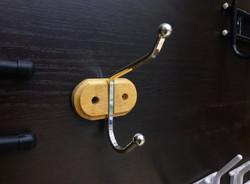 крючки для одежды на планке