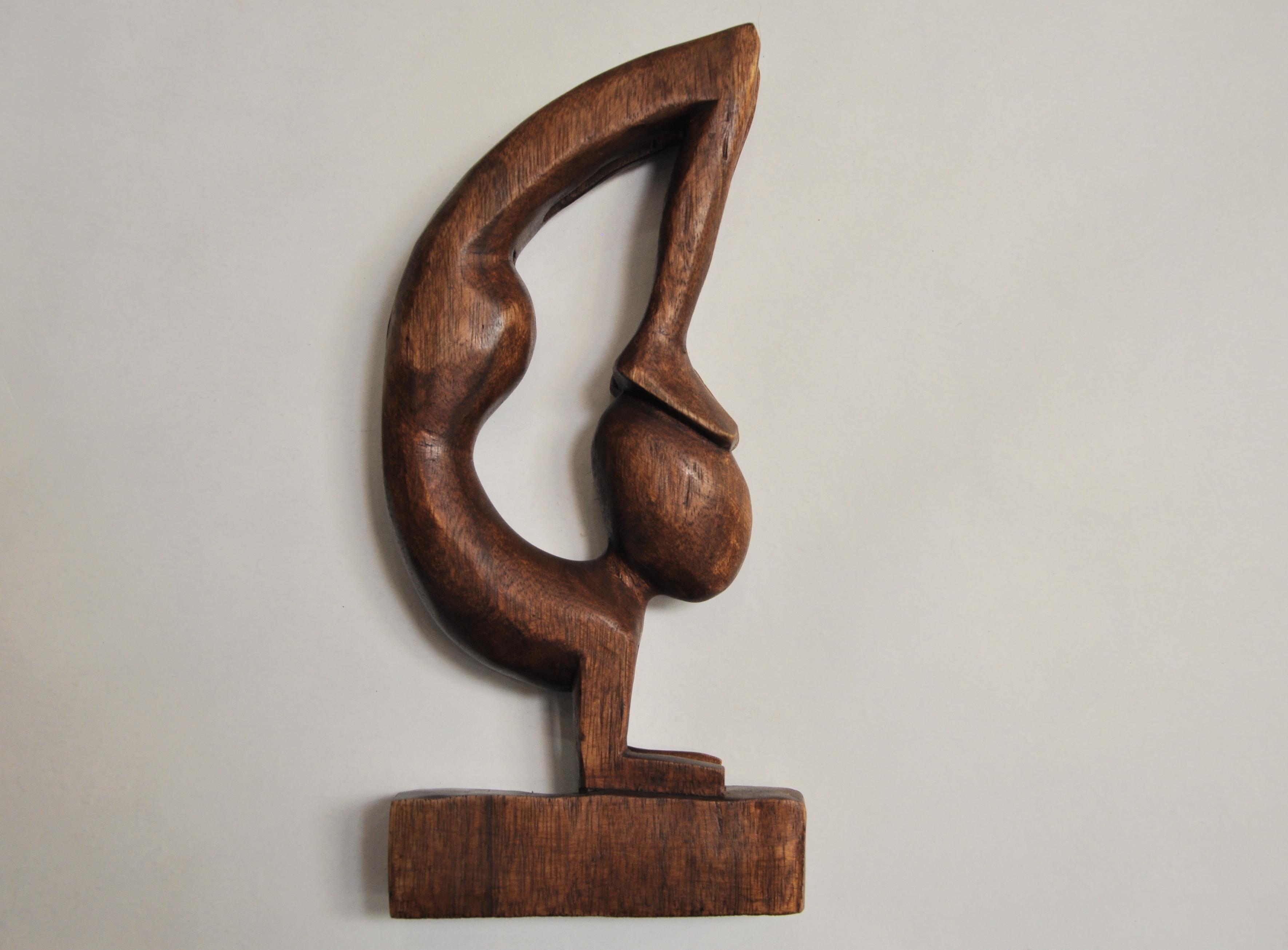 статуэтка деревянная