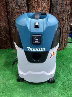 """""""Makita"""" строительный 1 кВт 25 л"""