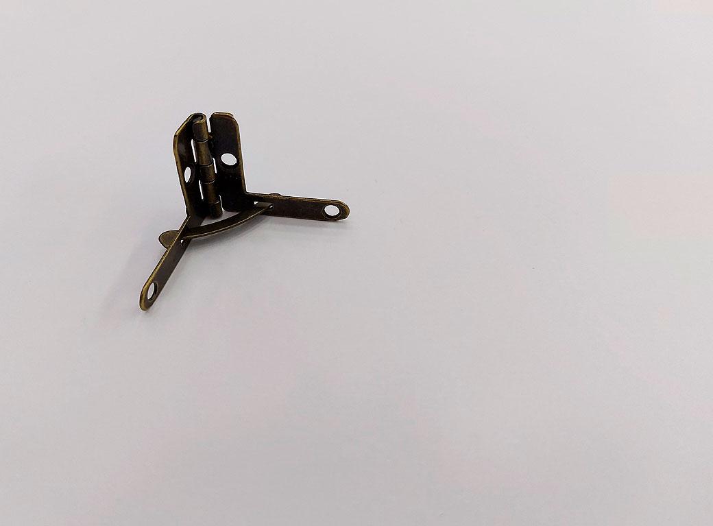 Петля с ограничителем, металл, бронза 2,5*2 см