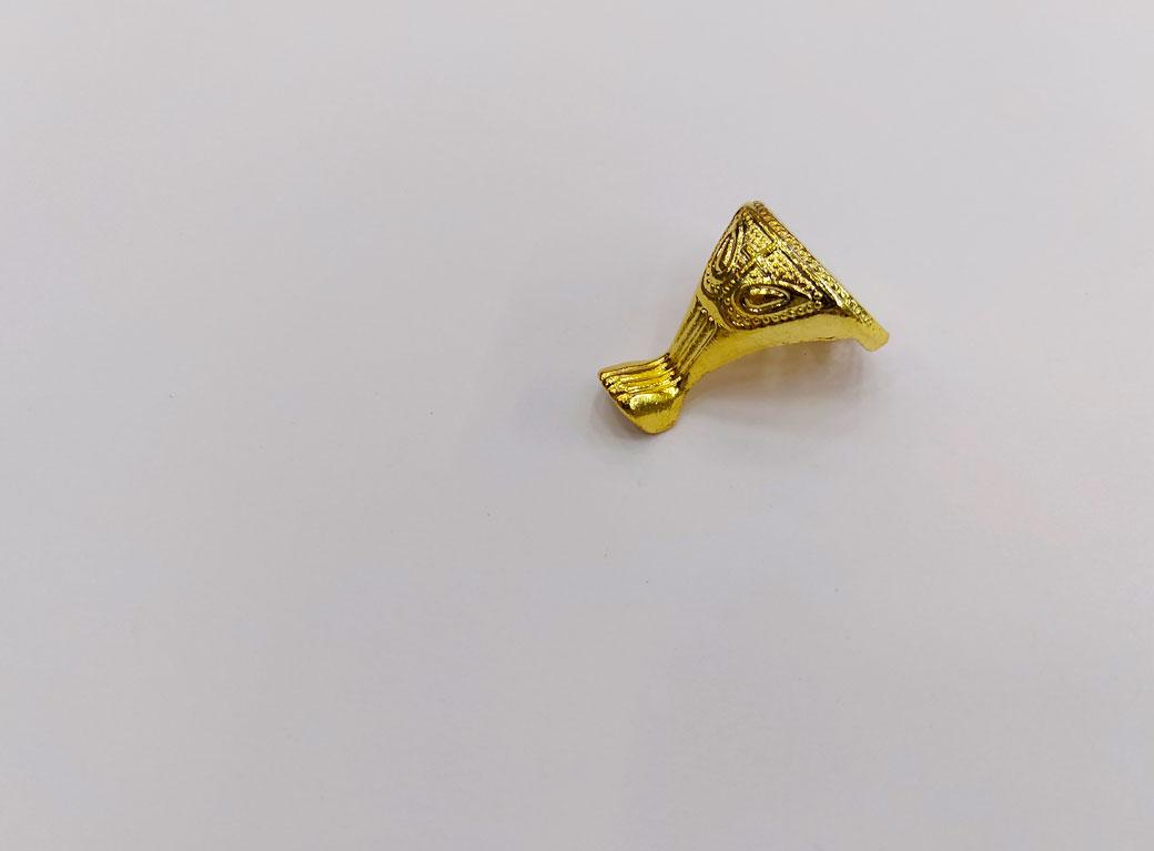 """Уголок-ножка для шкатулки, металл """"Царская"""", золото, 2,5*2,2 см"""