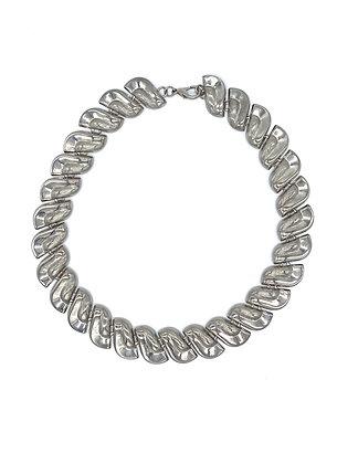 Collier en métal argenté
