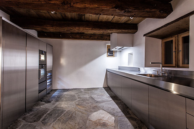 Zuoz Küche.jpg