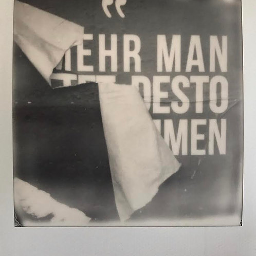 Andrea Haenni -  Das Plakat Polaroid SX-70 Scan, Print auf Papier 30x30cm