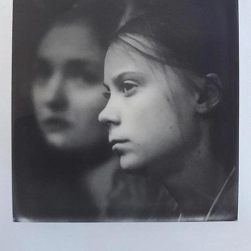 Andrea Haenni -  Greta Polaroid SX-70 Scan, Print auf Papier 30x30cm