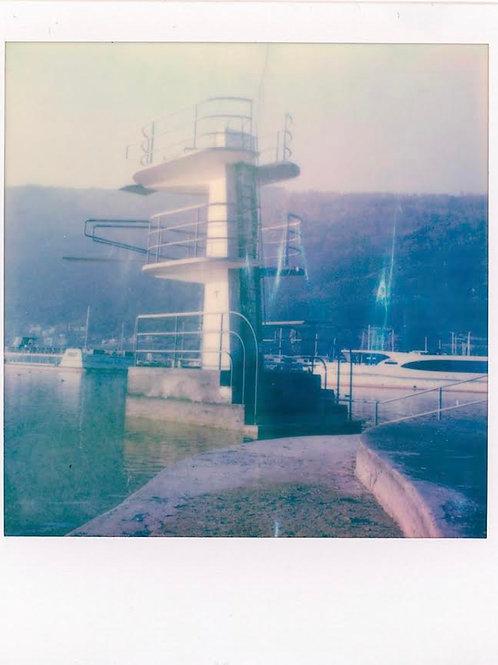 Andrea Haenni -  Der Springturm Polaroid SX-70 Scan, Print auf Papier 30x30cm