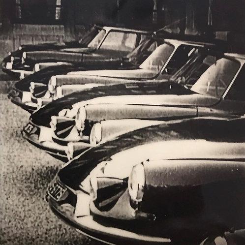 Andrea Haenni -  The Carpark Polaroid SX-70 Scan, Print auf Papier 30x30cm
