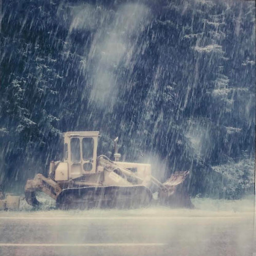 Andrea Haenni - Schneesturm Polaroid SX-70 Scan, Print auf Papier 30x30cm