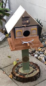 birdhouse on stand.jpg