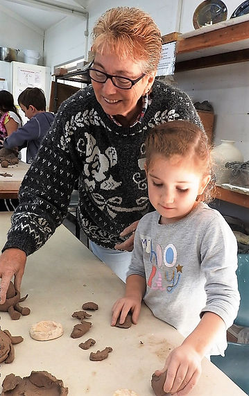 lynne_smith_with_lil_girl_pottery_learn