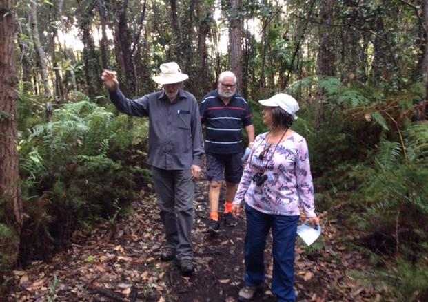 alan kerry and steph bush walking.JPG