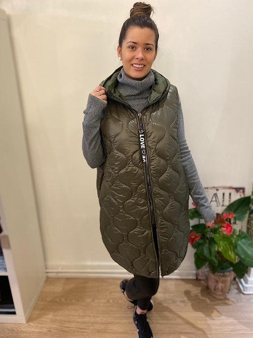 """""""LOVE"""" hooded sleeveless padded coat"""