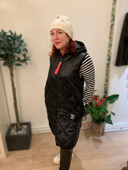 Stylish lightweight hooded gilet
