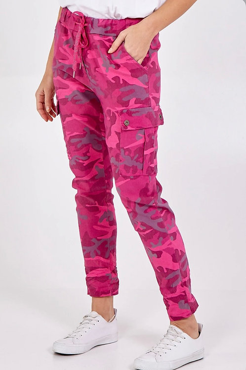 Magic camouflage cargo style trousers