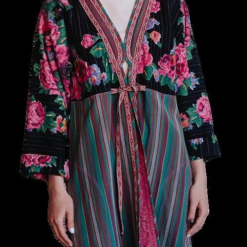 Пальто-халат из полушелковой ткани и павлопосадского платка