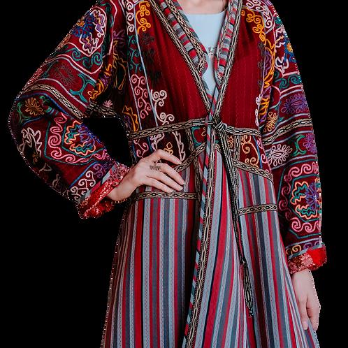 Пальто-халат с ручной вышивкой