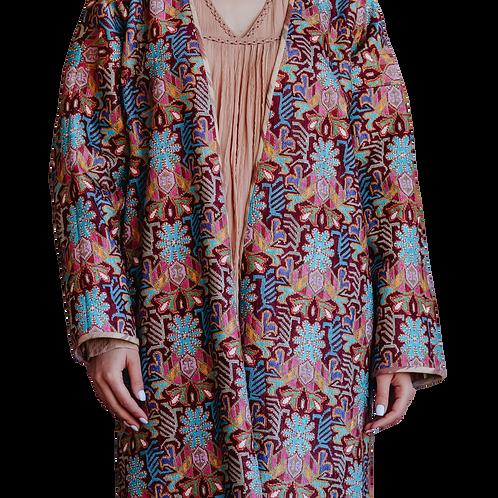 Пальто-халат из вышитой вручную ткани