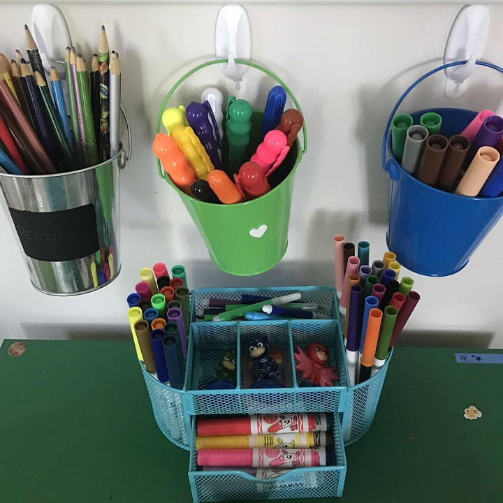 Arts & Crafts Station