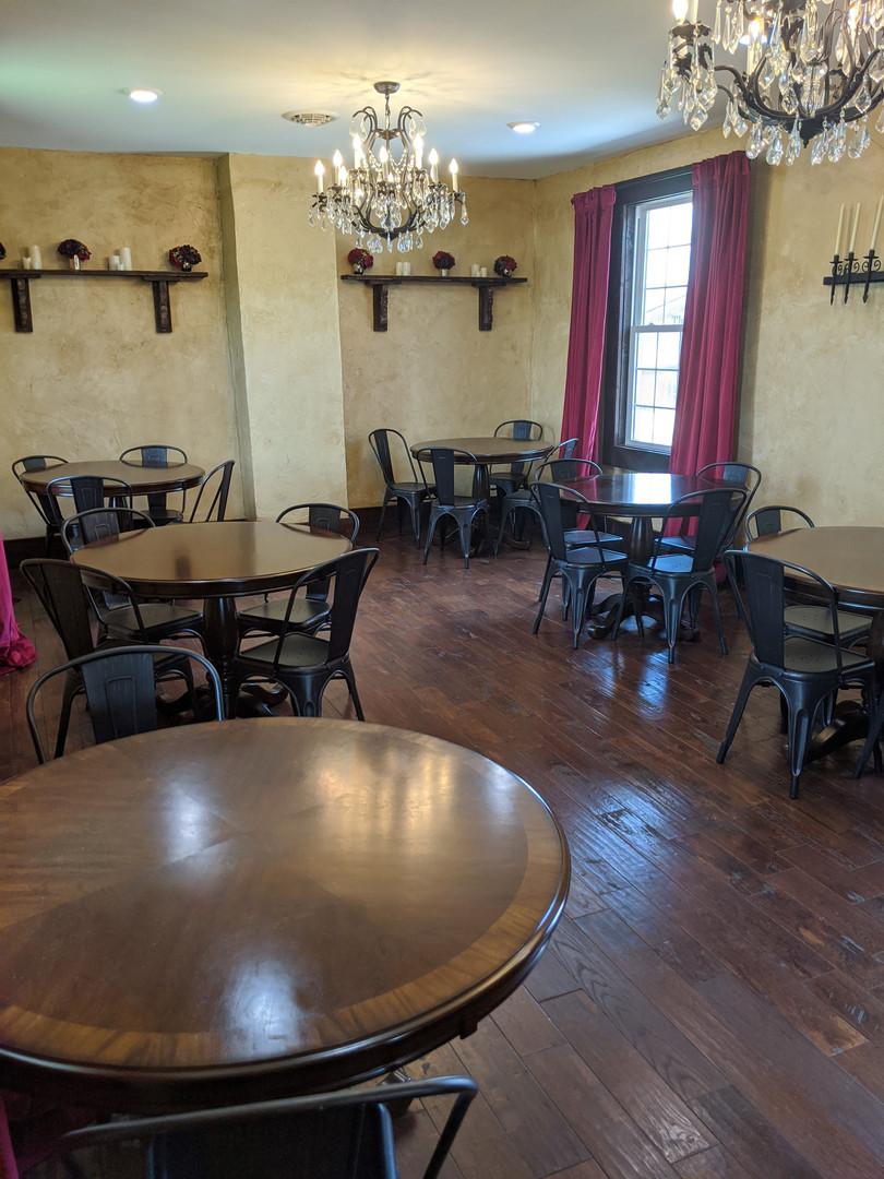The Library at Vinberige Vineyards