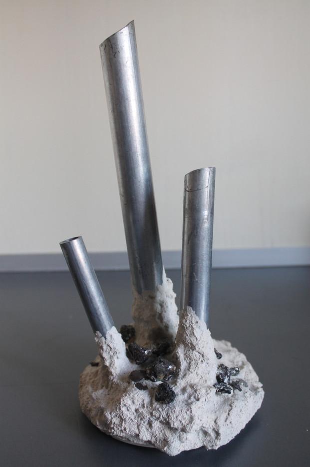 vaso con ematite e ferro 3