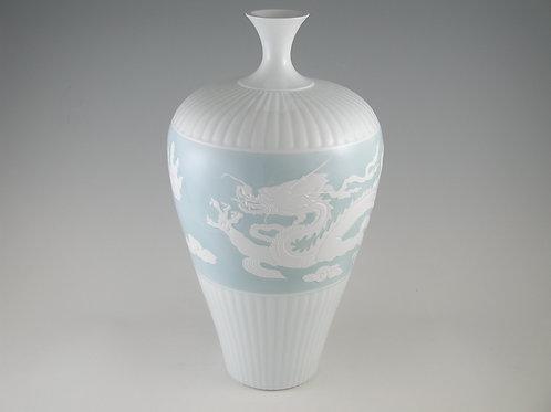 青白磁龍文花瓶