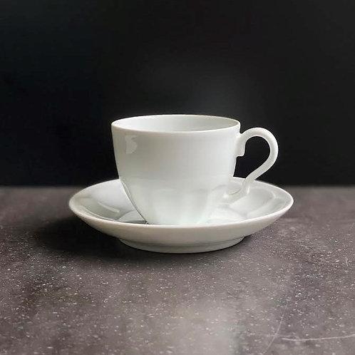白磁菊割珈琲碗皿
