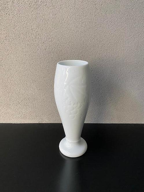 白磁葡萄文花器