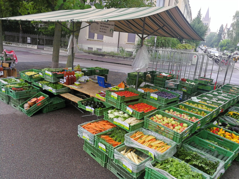 Markt Stand (Basel Rütimeyerplatz)