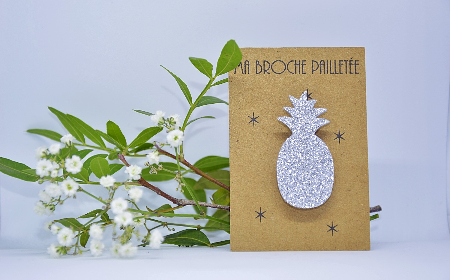 Broche paillettes ananas argent_edited.j