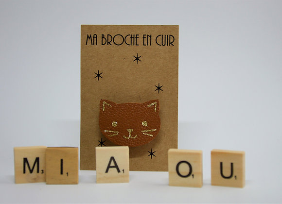 Ma petite broche cuir chat camel