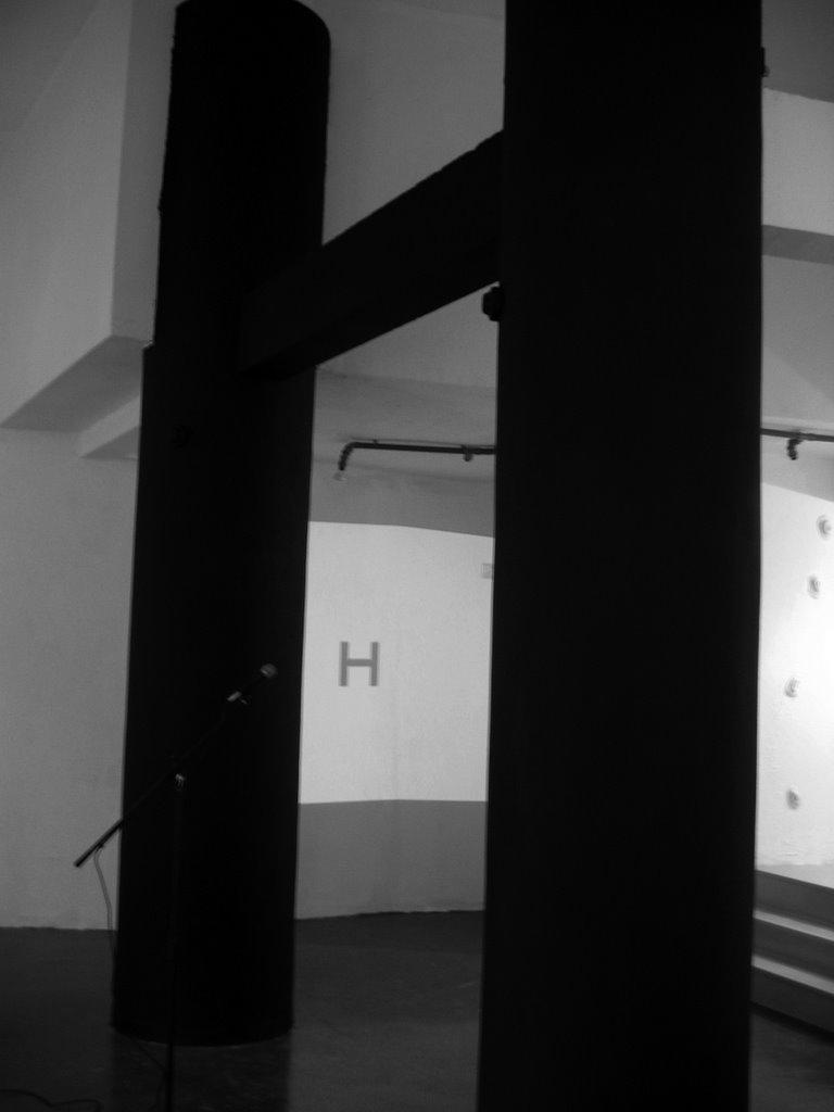 H. La estructura del silencio